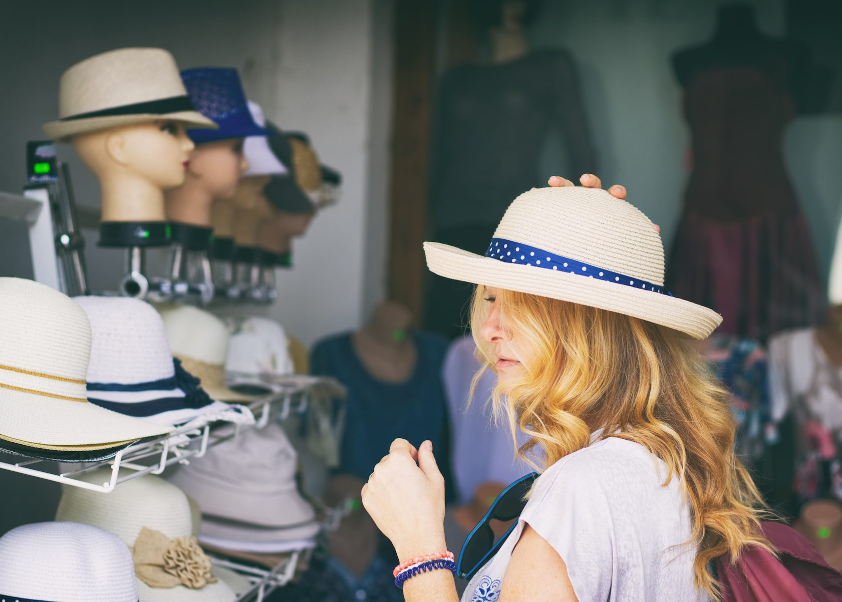 retail experience, evoking emotions
